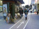 Carril bici demasiado cerca del kiosco