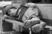 Personas sin hogar, sin familia, sin contactos...