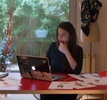 Eva Riu en su estudio.