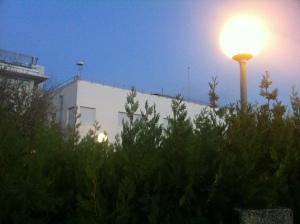 Málaga: Este es el peor tipo de farola, pues la iluminación escapa al cielo más que al suelo.